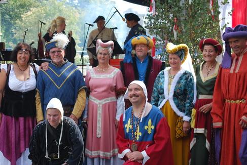 Schloßfreunde Gruppenfoto 2 Foto Beuerlein