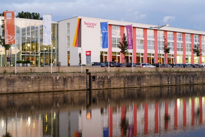 Main River Island Conference Center and Mercure Hotel