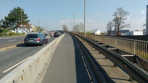 Franz-Josef-Strauß-Brücke