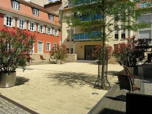 S. 66, Wohnhof Krumme Gasse