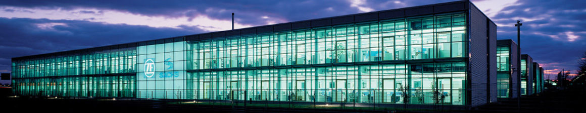 Industriegebäude im Gewerbegebiet