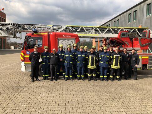 Neue Atemschutzgeräteträger für Feuerwehr und Technisches Hilfswerk