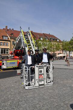 Übergabe der neuen Drehleiter an die Feuerwehr Schweinfurt2