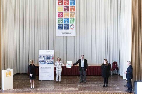 Dank an Schweinfurt beim Vernetzungstreffen der Agenda 2030 Kommunen in Leipzig