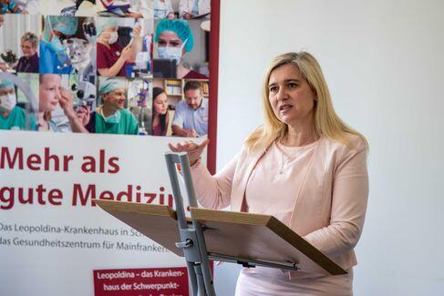 Leopoldina-Krankenhaus Ministerin Huml - Foto (c) Stefan Pfister (5)