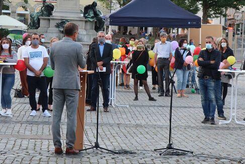 Made in Schweinfurt Ausstellung 2020 Eröffnung - Marktplatz OB Rede - Foto Johanna Körner (1)