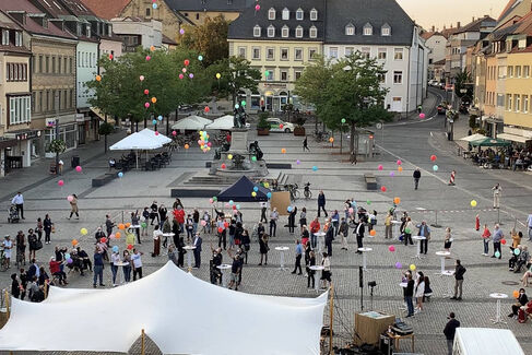 Made in Schweinfurt Ausstellung 2020 Eröffnung - Ballonaktion - Foto Johanna Körner (1)