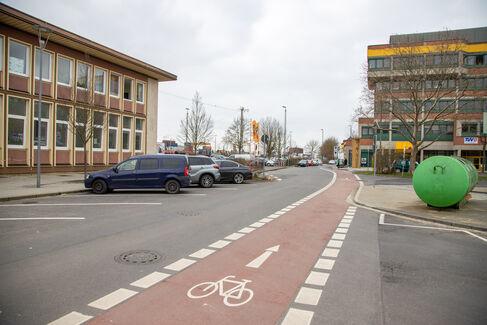 Fahrradstraße Gustav-Heusinger-St. - Foto (c) Stefan Pfister (13)